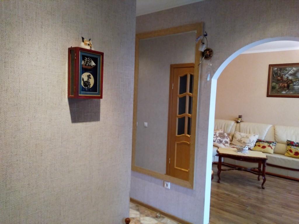 Продам 2-комн. квартиру по адресу Россия, Калининградская область, Зеленоградский район, Зеленоградск, Марины Расковой 4 фото 3 по выгодной цене